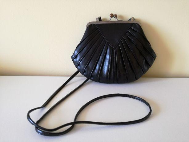 Czarna torebka Dorothy Perkins