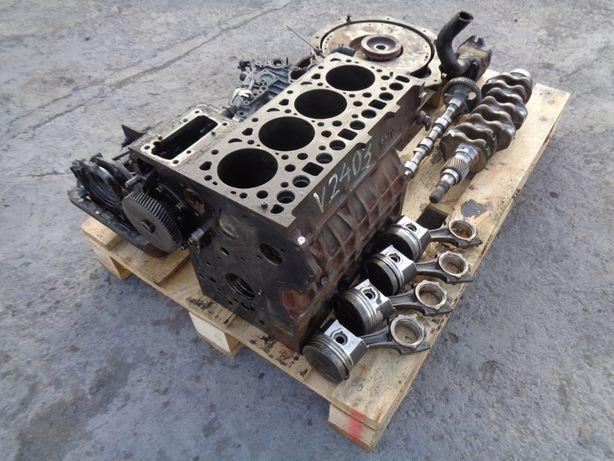 Silnik KUBOTA V2403 blok / wał korbowy / części