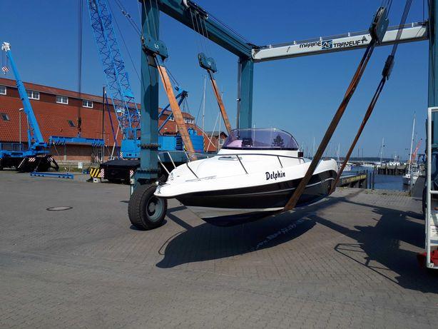 łódź motorowa jacht z przyczepą mazury 560 jets marivent