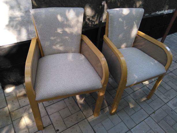 Перетяжка офисных кресел, мягких стульев