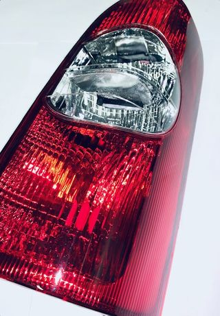 Lampa tylna TYŁ Opel Movano Renault Master Furgon po 1999 NOWA