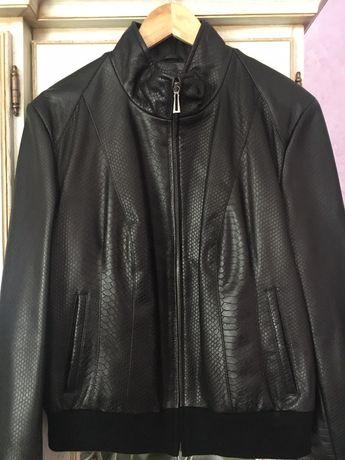 Шкіряна жіноча куртка НОВА