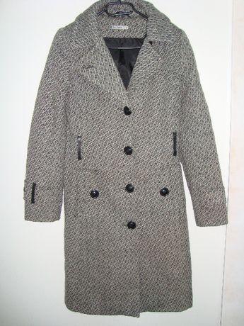 idealny płaszcz jesienno-zimowy de facto z kołnierzem i paskiem roz.