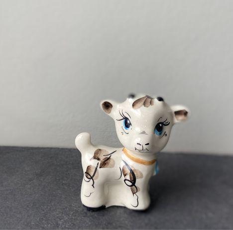 Статуэтка Теленок с колольчиком, маленькая корова, фигурка