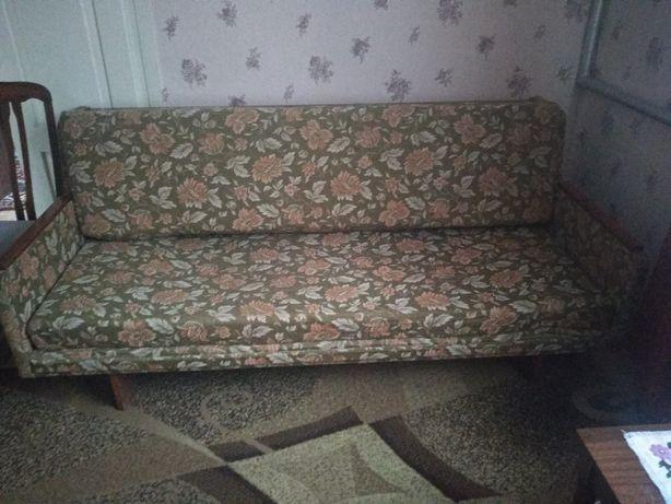Розкладний диван із кріслами