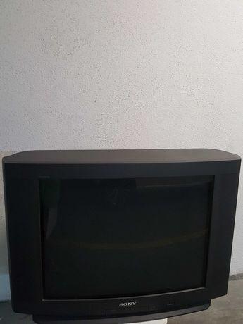TV Sony Trinitron a funcionar