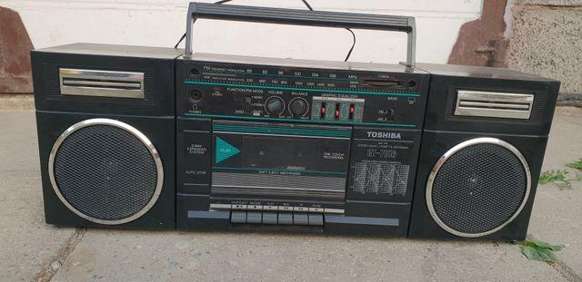 Radio magnetofon Toshiba Rt7016 unikat