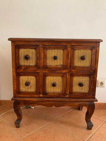 Mesinhas de apoio madeira maciça com detalhe em fibra estilo antigo