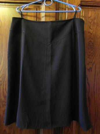 Czarna elegancka spódnica 46