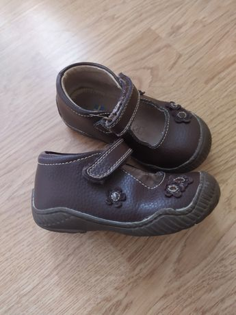 Туфли на девочку 24 р. В идеале. Кожа!