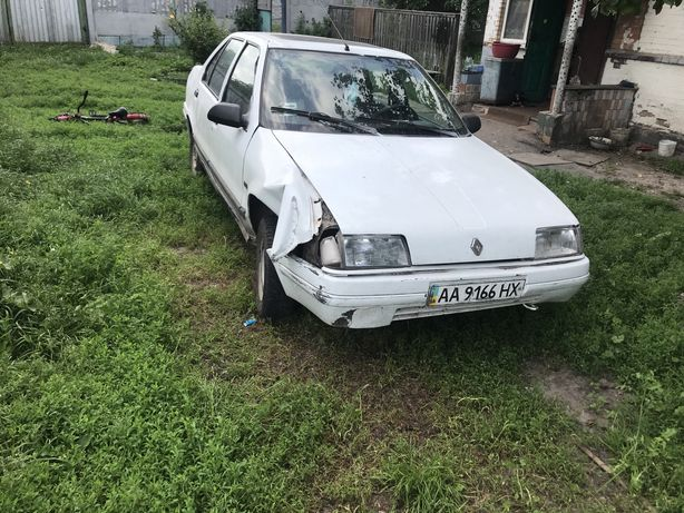 автомобіль: Renault 19 1990