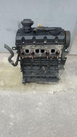 Мотор двигун 1.9 TDI AXR ATD Skoda Fabia Octavia VW Golf