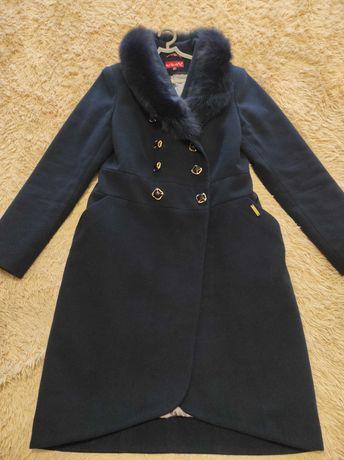 Продам пальто демисезонн