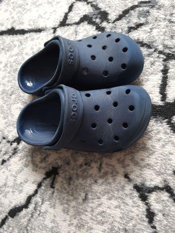 Crocsy rozmiar j1 (32-33)