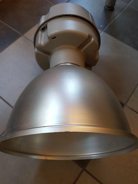 Lampa przemysłowa reflektor 250W IP23