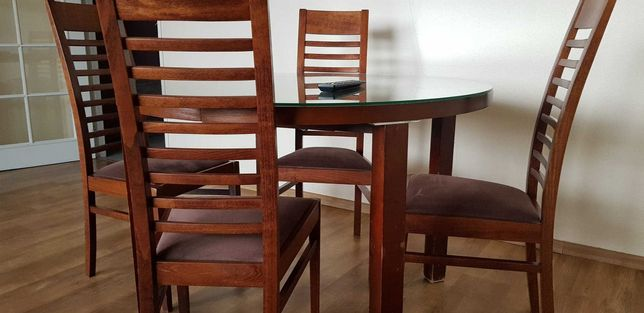 Stół z 4 krzesłami rozkładany