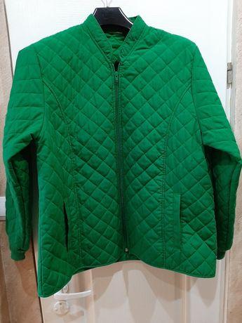 Bardzo ładna zielona kurtka