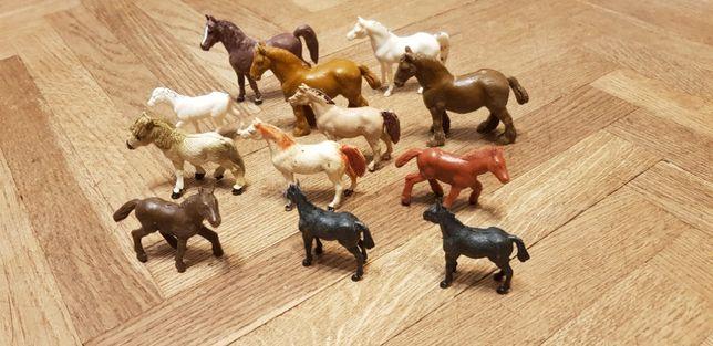 zwierzątka kolekcjonerskie z PRL konie