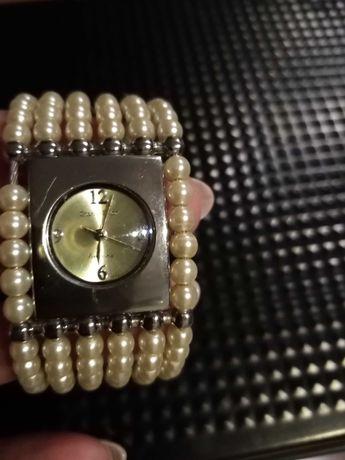 Zegarek damski srebrny
