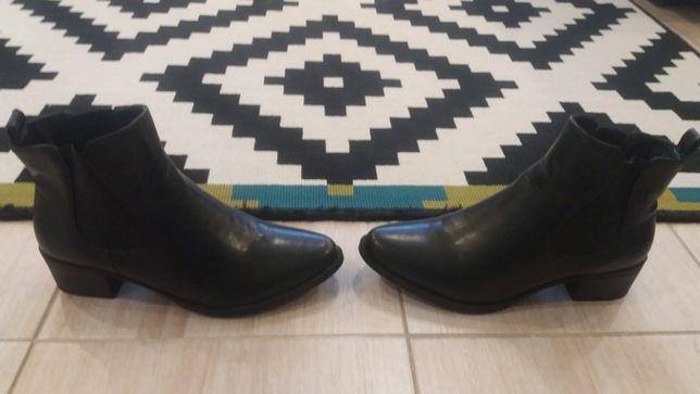 Nowe skórzane botki na obcasie firmy H&M