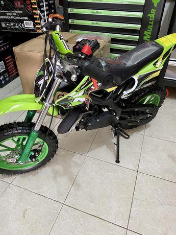 Mini moto cross de 49cc a gasolina!