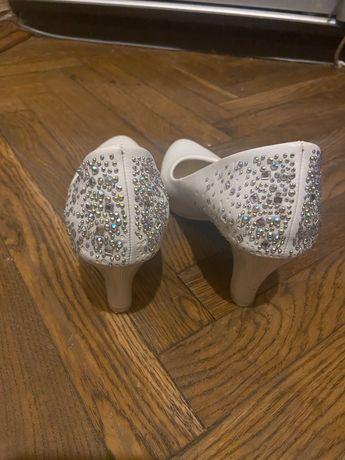 Свадебные белые туфли со стразами 37 размер