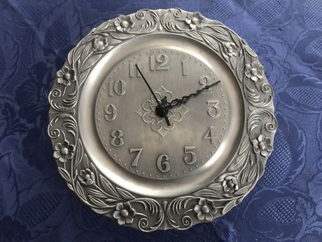 Zegar cyna talerz