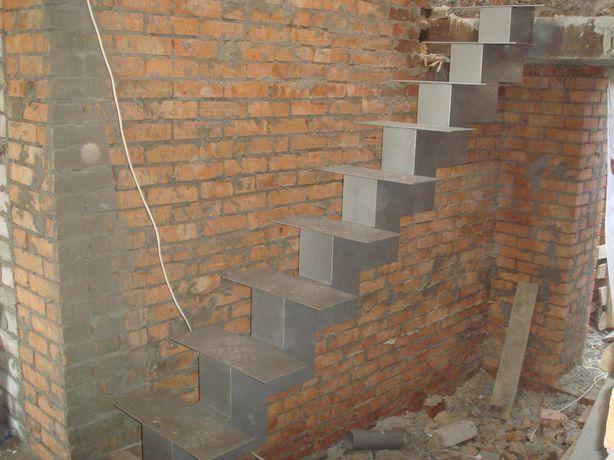 Деревянная лестница в дом Киев/Лестница в коттедж/Лестница в дом