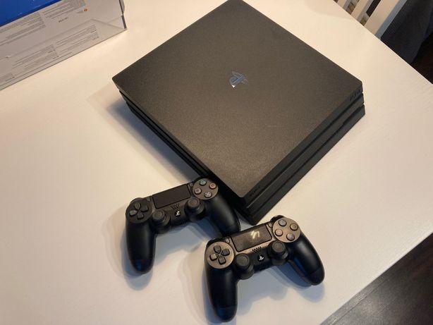 Play Station PRO 4 1TB/PS4 CUH-7216B/stan idealny/2x dual shock+FIFA19