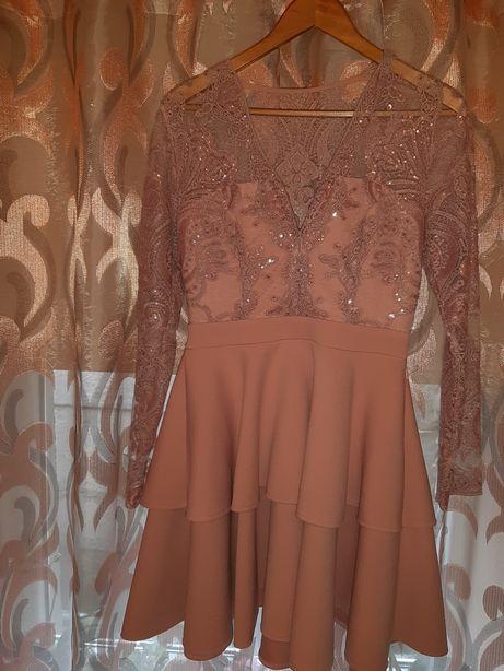 Очень нарядное красивое платье р.S-M