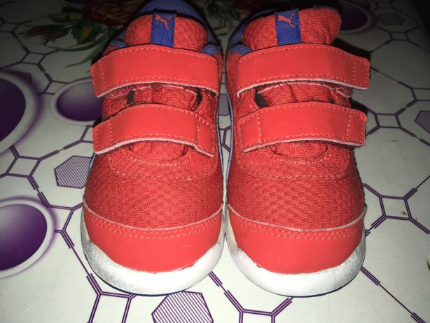 Продам дитячі кроси Puma 25 розмір