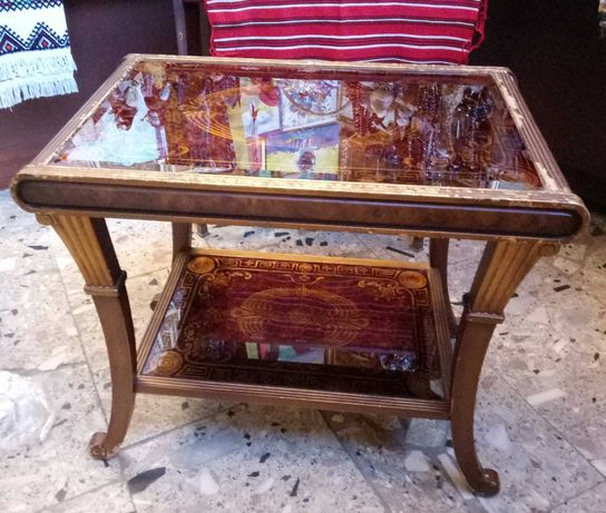 Антикварный столик (ретро стиль)