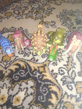 Динозаври играшки