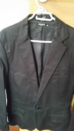 Blazer preto morato e casaco massimu dutti