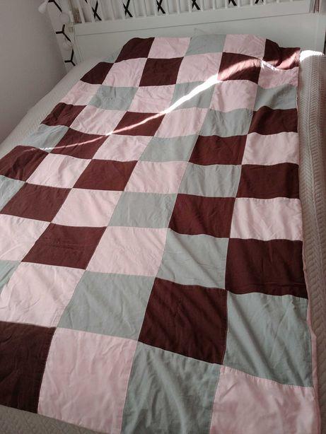 Narzuta na łóżko dla dziewczynki