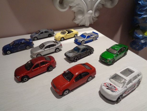 autka samochodziki resoraki urodziny prezent Święta Auto