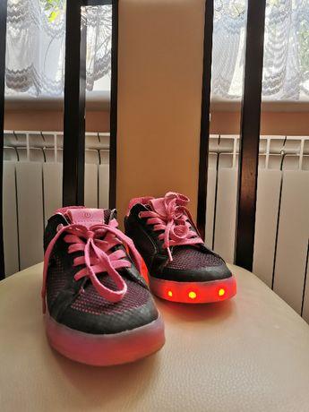 Buty Geox z podświetleniem