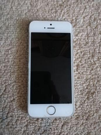 iPhone 5s  на запчасти или ремонт