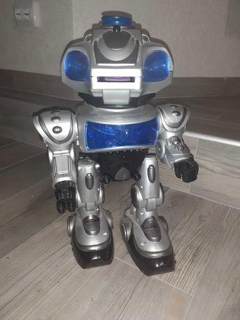 Интерактивный робот Электрон с голосовым управлением