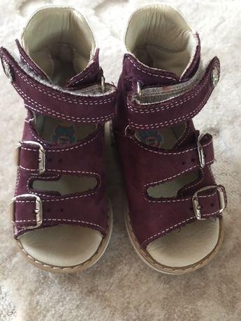 Дитячі ортопедичні сандалі Theo Leo