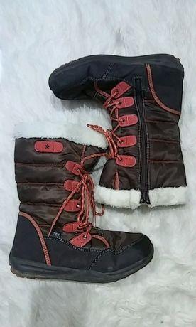 Brązowe śniegowce