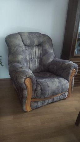 Dwa fotele i kanapa