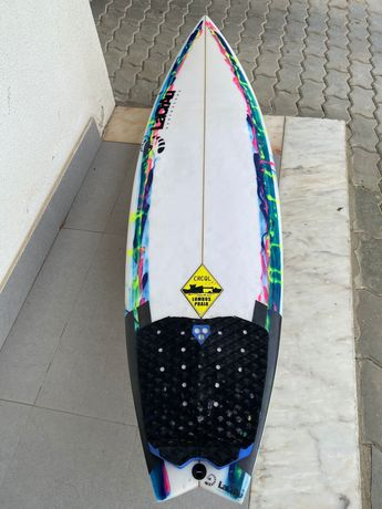 Prancha surf 5'4 fish tail