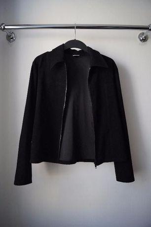 Черная легкая куртка пиджак на молнии