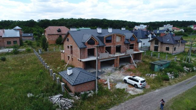 Спарений котедж, особняк, будинок на дві сім'ї, накрита коробка