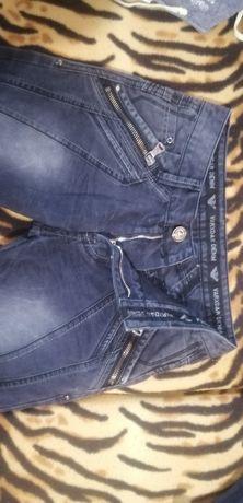 Мужские джинсы как на подростка так и на мужчину