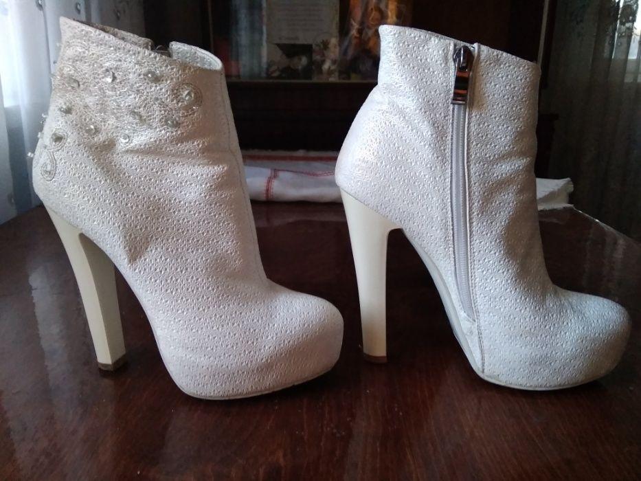 Білі весільні ботики Широке - зображення 1