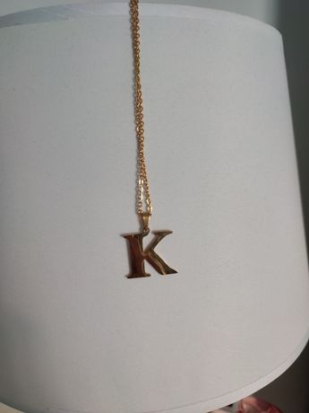 Łańcuszek z literką K