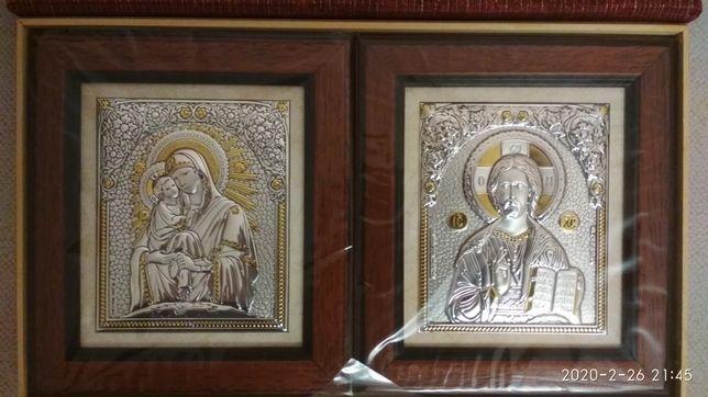 Пара срібних іконок в подарунковій коробочці