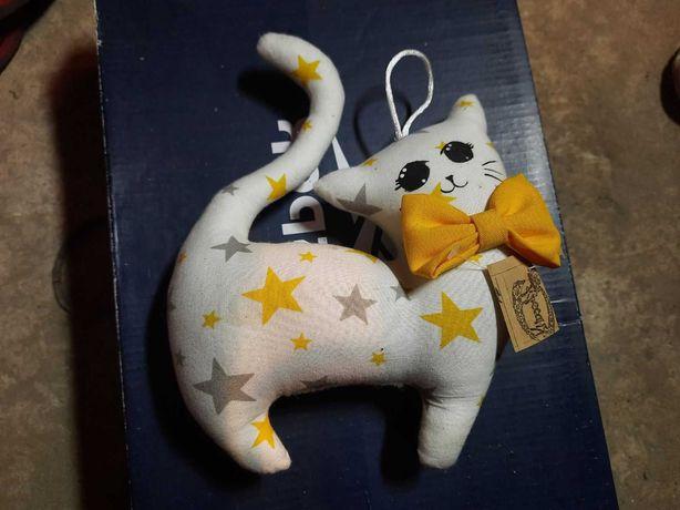 Интерьерная игрушка котик